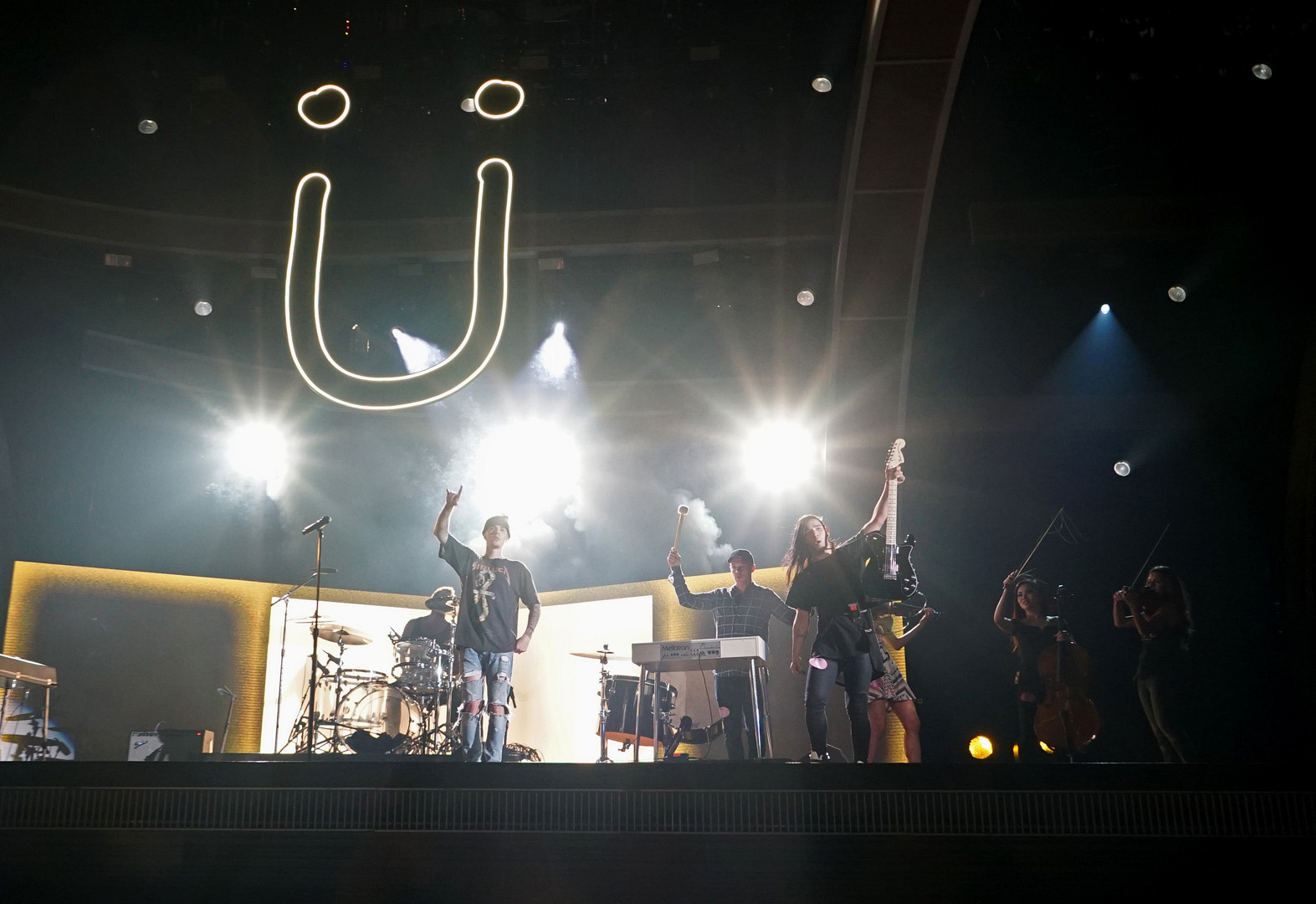 It's rehearsal time for Justin Bieber and Jack Ü.