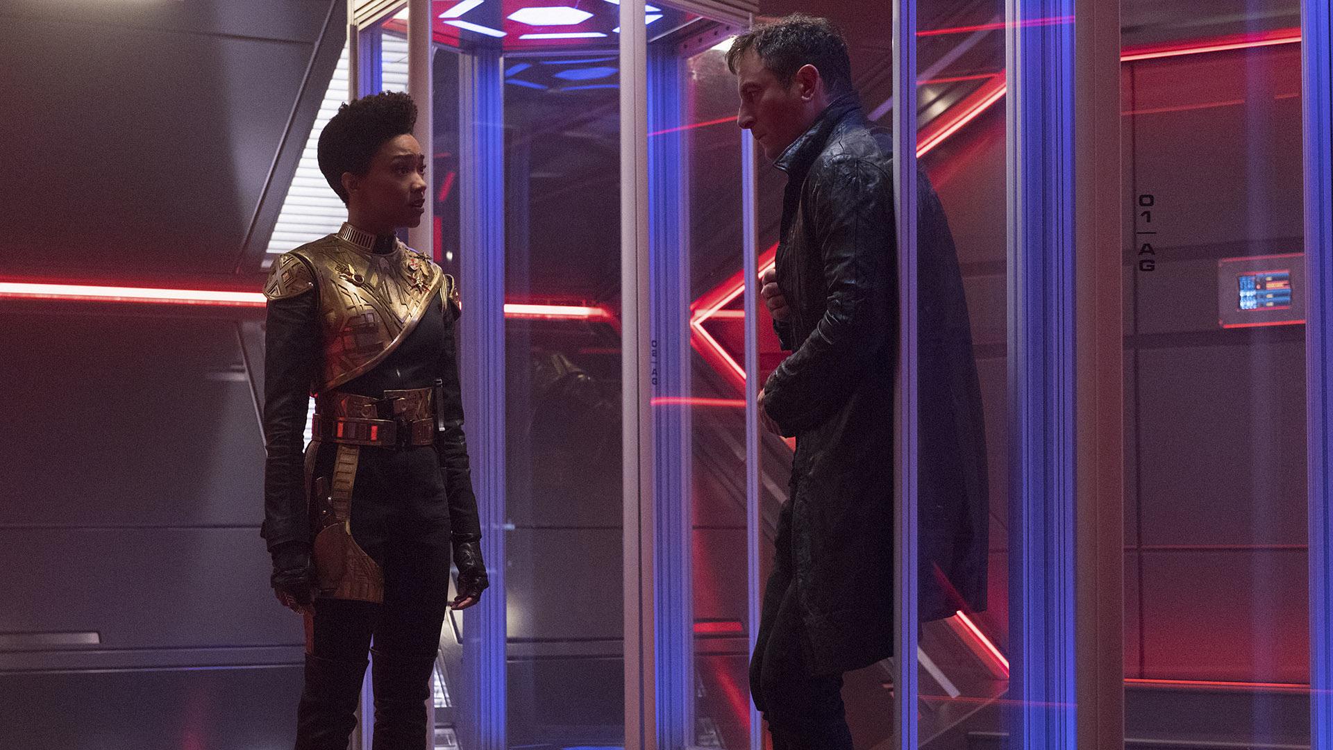 Michael Burnham (Sonequa Martin-Green) and Captain Gabriel Lorca (Jason Isaacs)