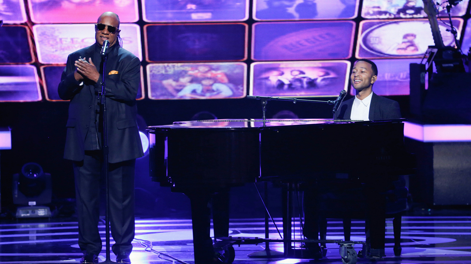 "Stevie Wonder and John Legend perform ""How Can You Mend A Broken Heart"""