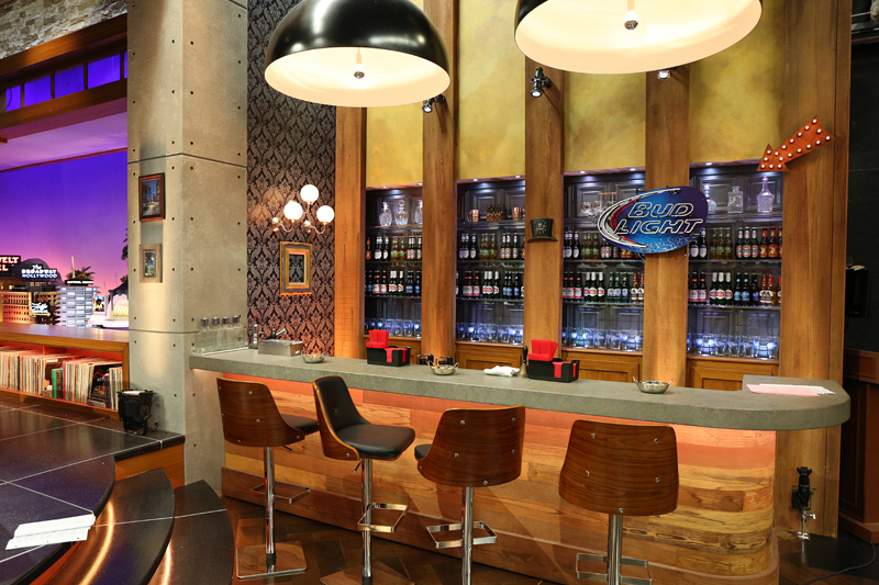 No set is complete without a bar!