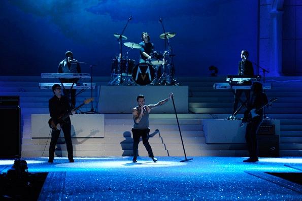 Maroon 5 - 2011 Musical Performance