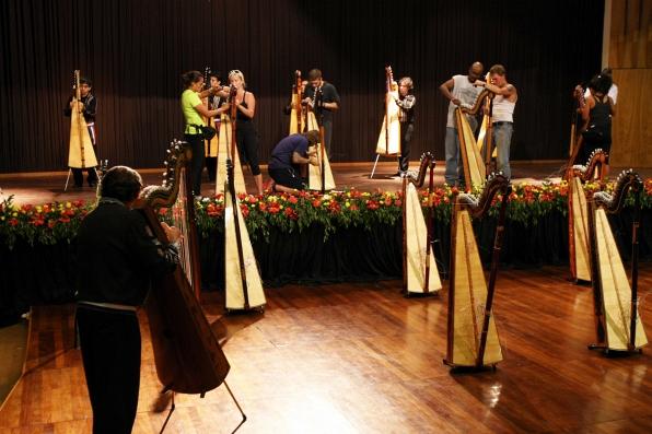 Stringing Harps