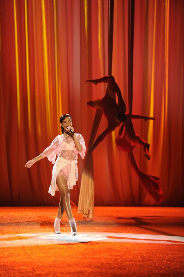 Rihanna - 2012 Musical Performance