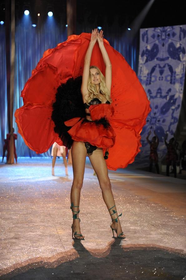Toni Garrn - 2012 Highlight
