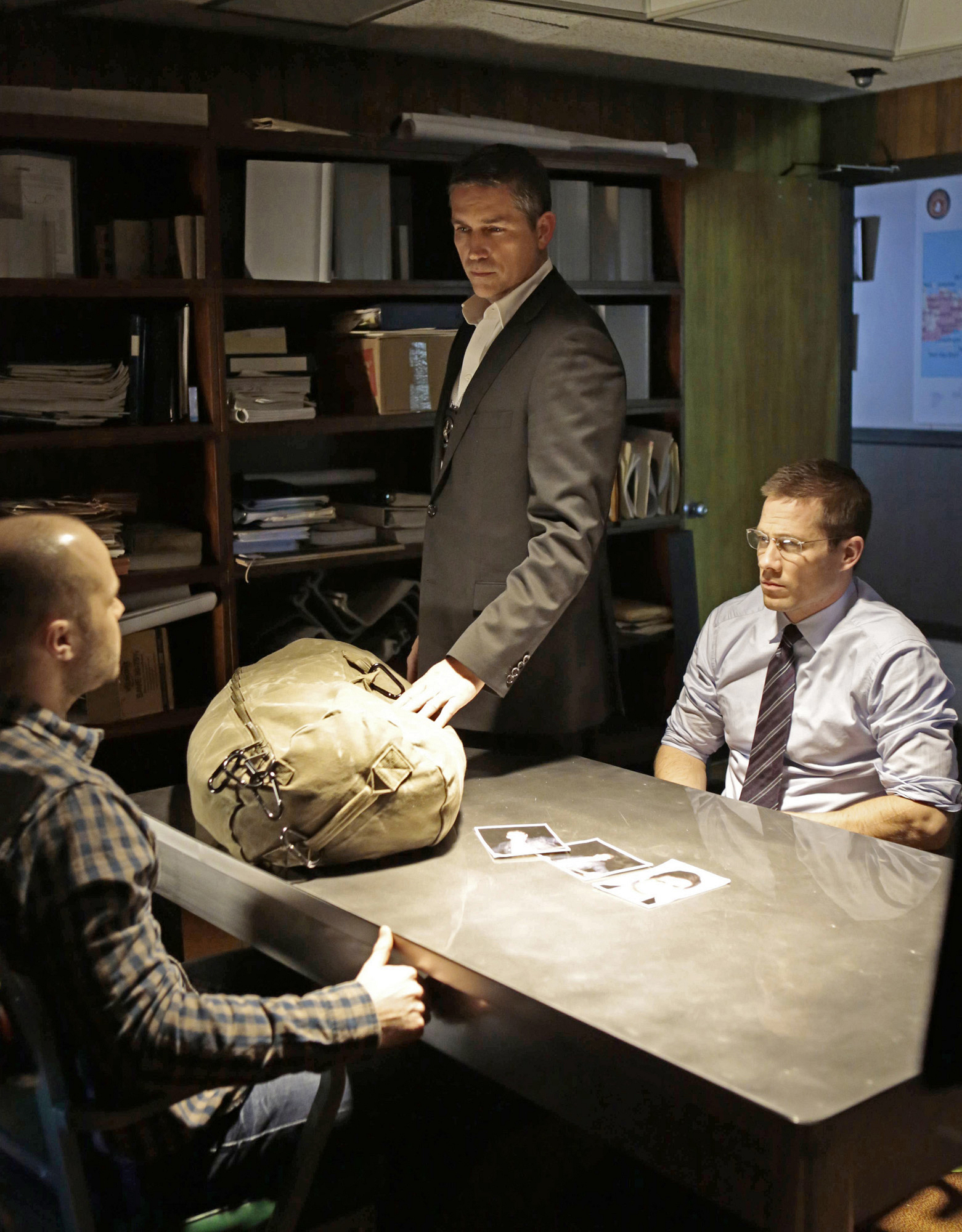 Reese joins forces with an FBI Agent