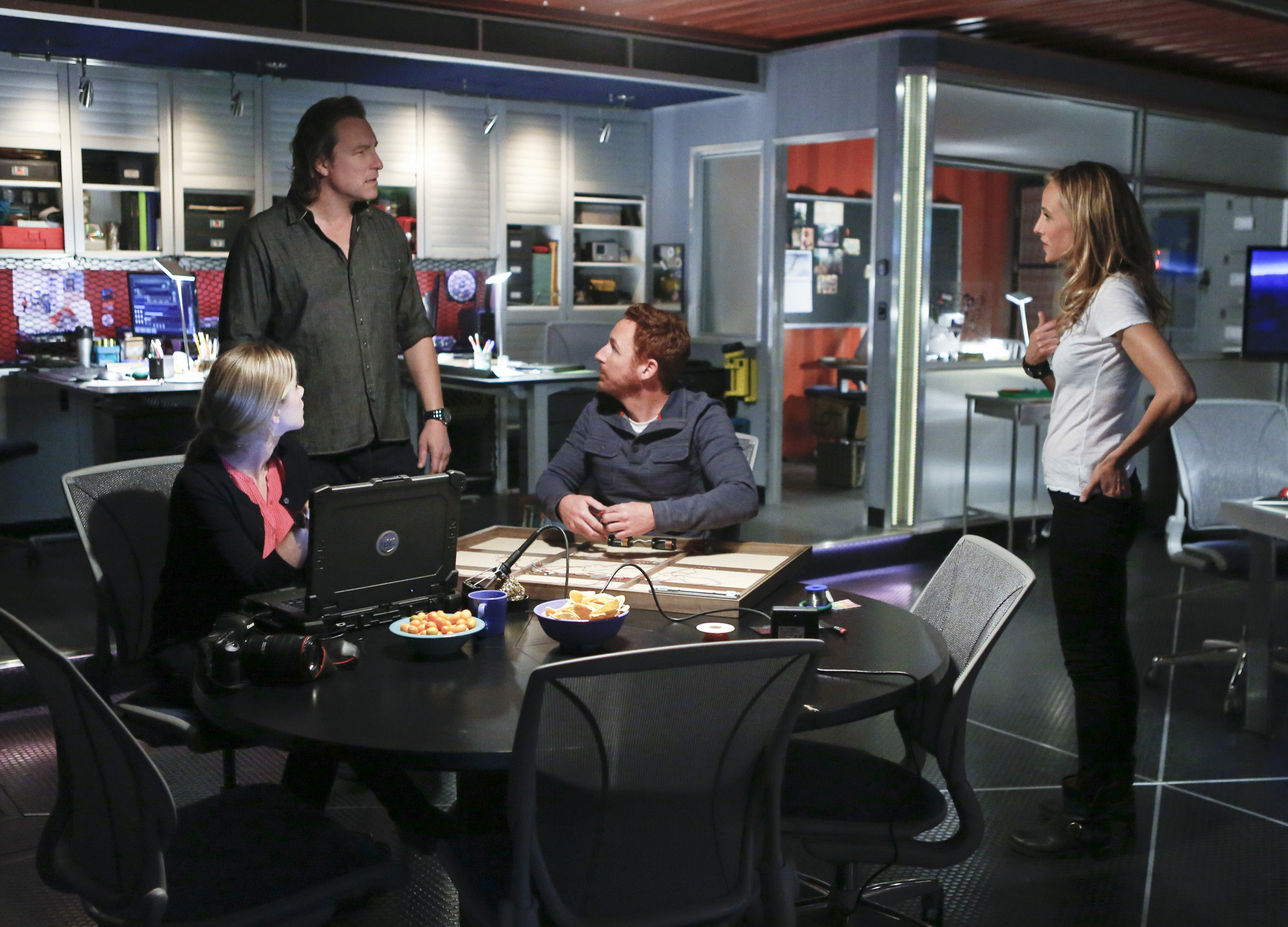 """Round Table Discussion in """"Red: Part Two"""" Episode 19 of Season 4"""