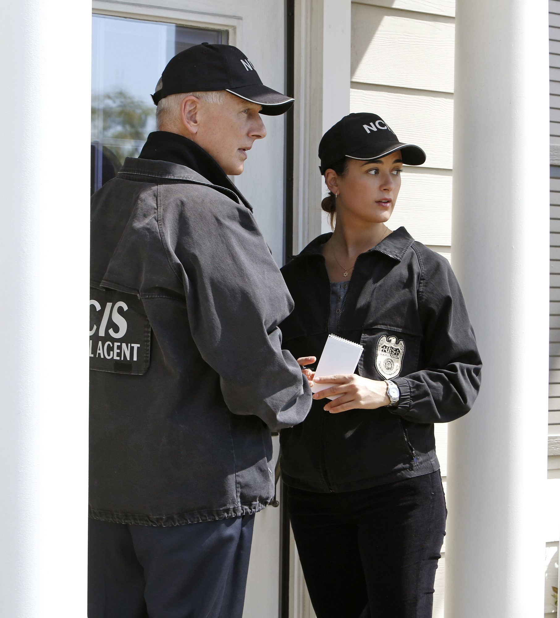 "Door to Door in ""Chasing Ghosts"" Episode 20 Season 10"