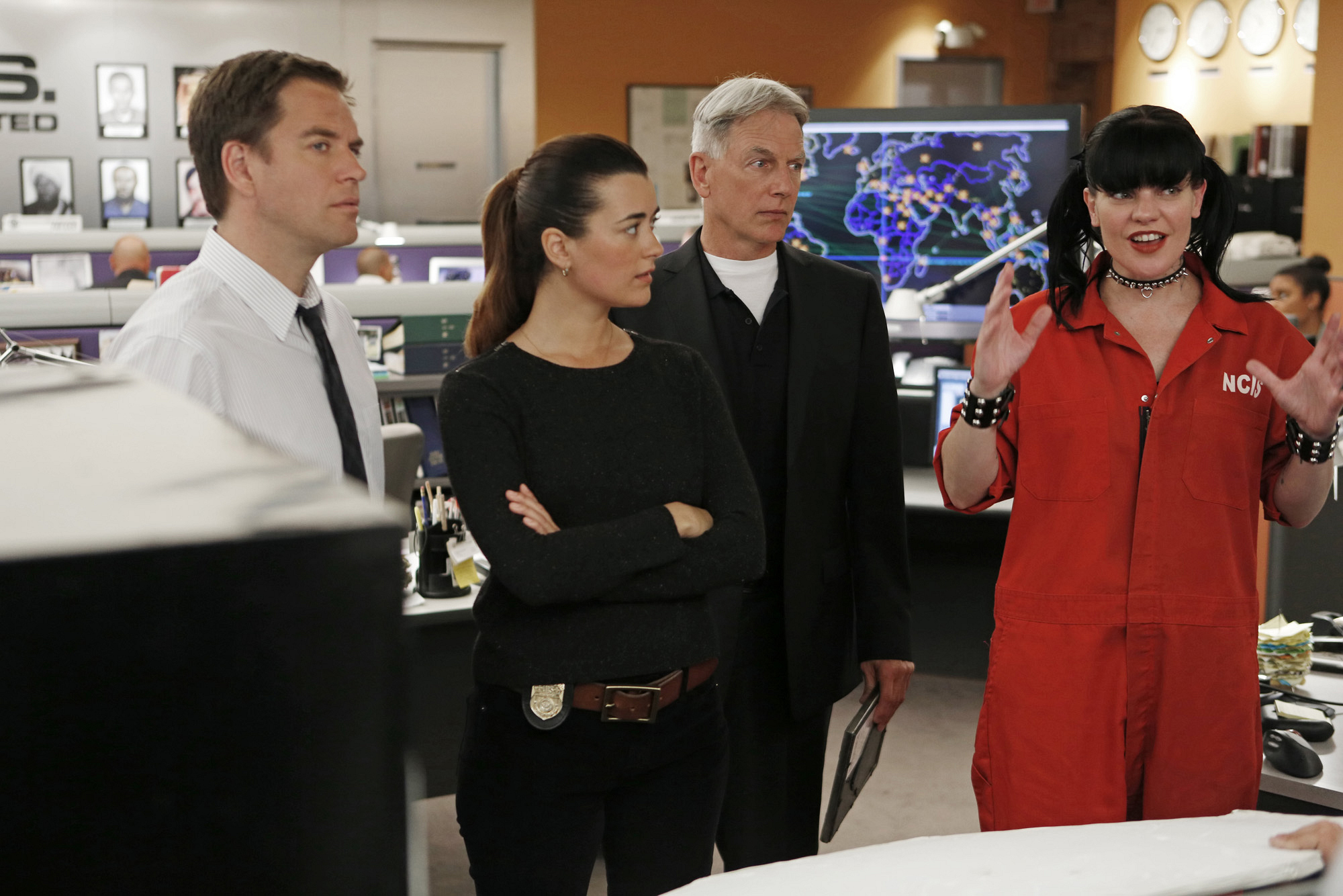 "Bullpen Huddle in ""Chasing Ghosts"" Episode 20 Season 10"