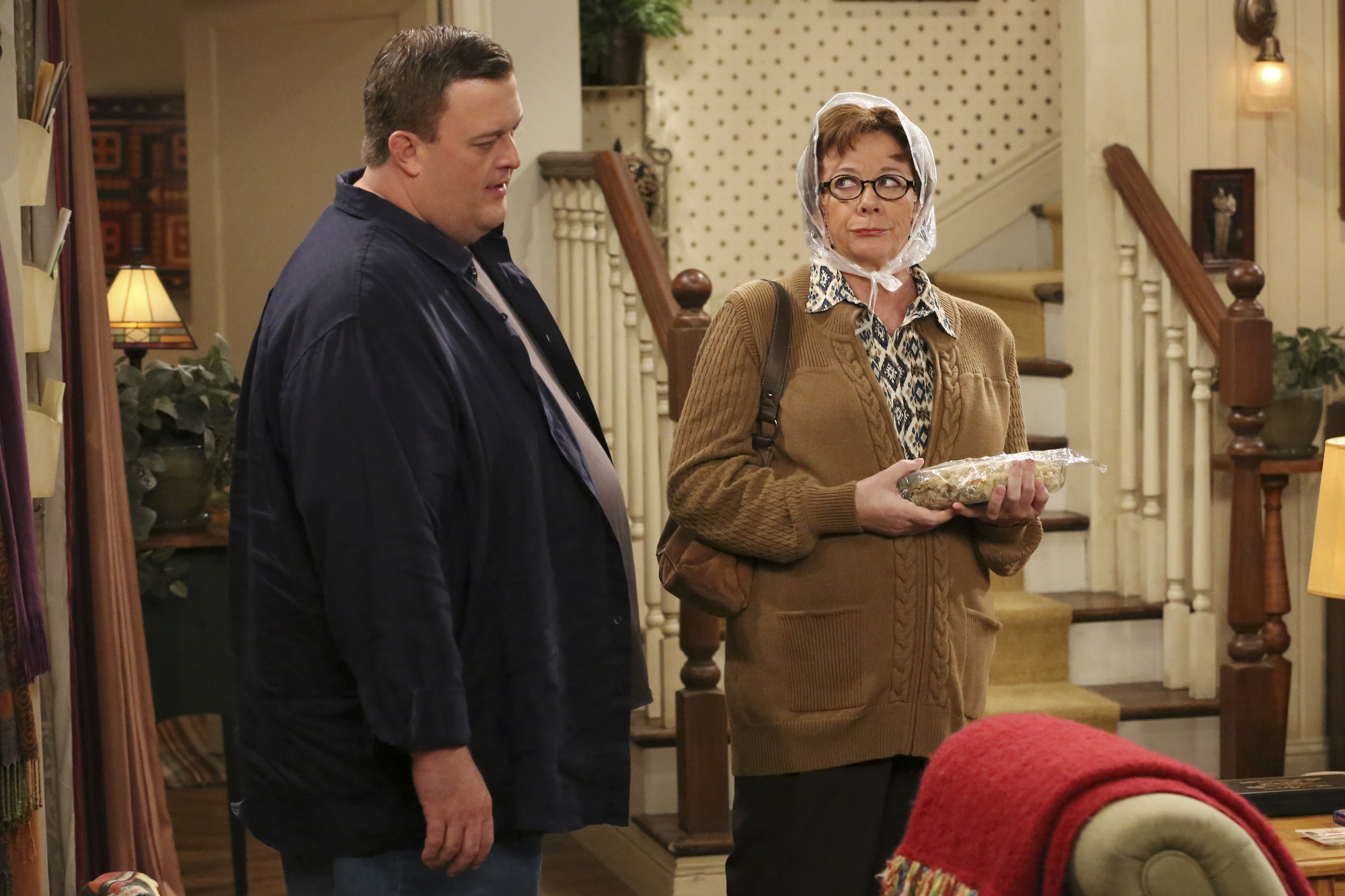 "Peggy & Mike in ""Molly's Unleashed"" the Season 4 Premiere"