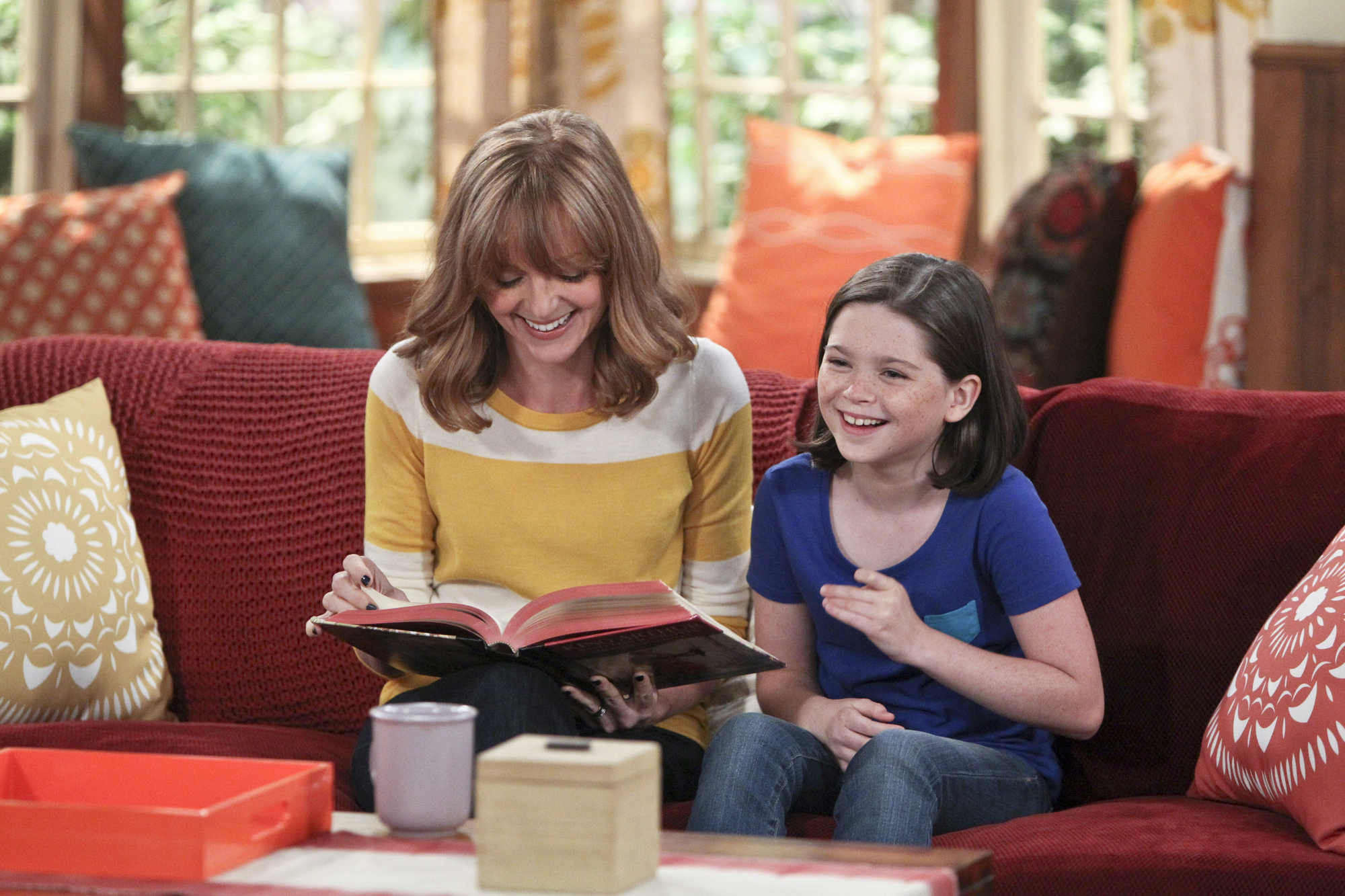 """Mother & daughter in """"The Mother is In"""" Episode 4 of Season 1"""
