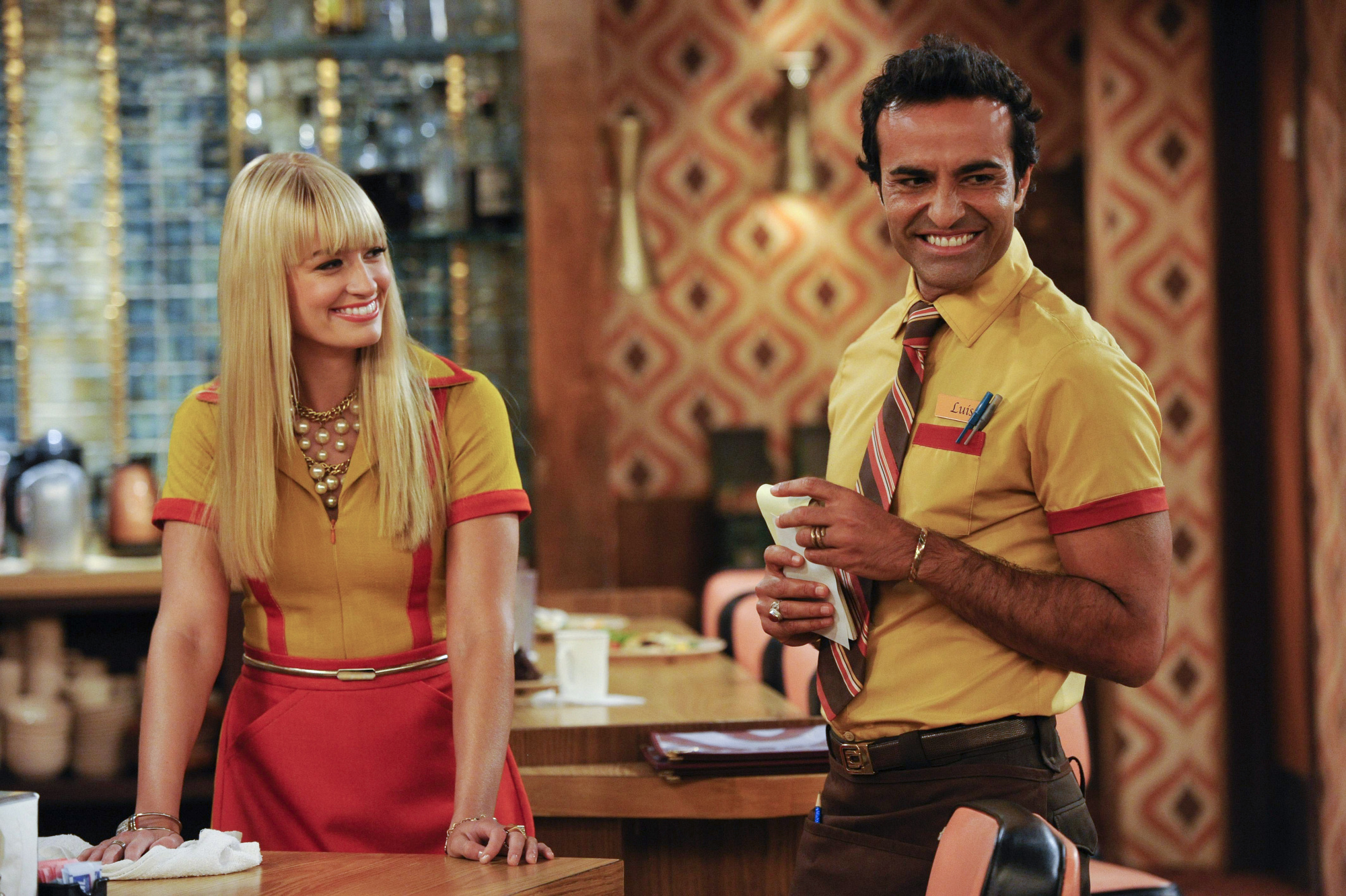 8. Caroline & Luis - 2 Broke Girls