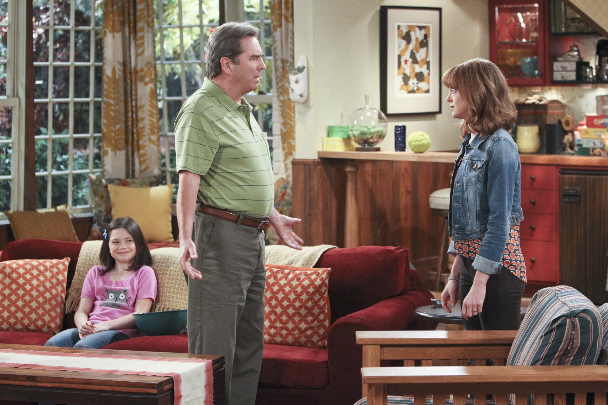 """Dad & daughter in """"The Talk"""" Episode 7 of Season 1"""