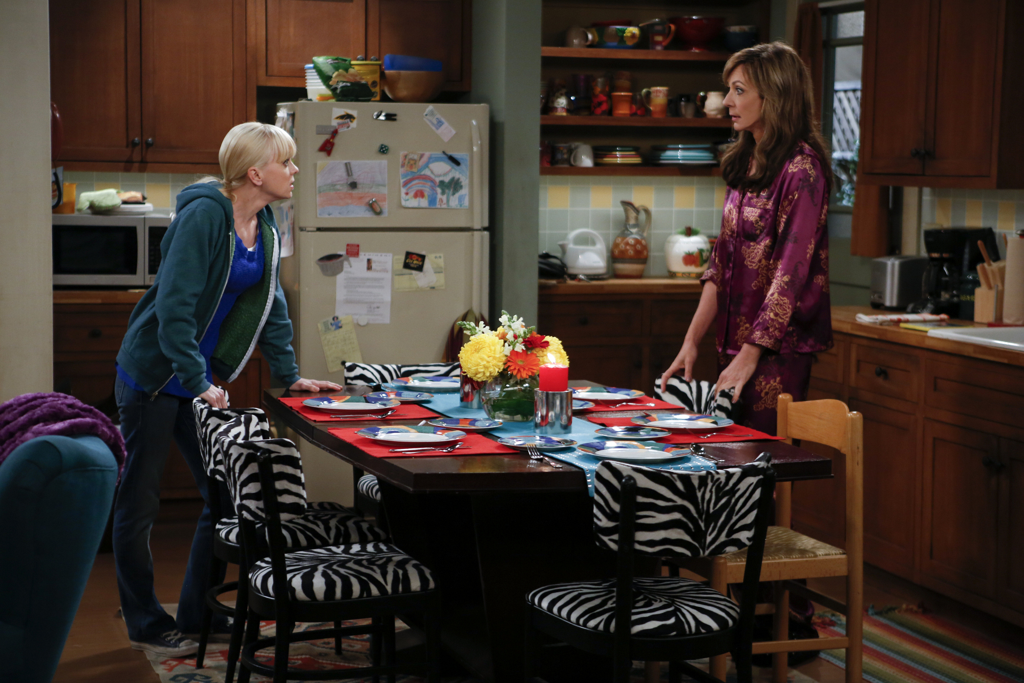 """New kitchen decor in """"Belgian Waffles and Bathroom Privileges"""" Episode 10 of Season 1"""