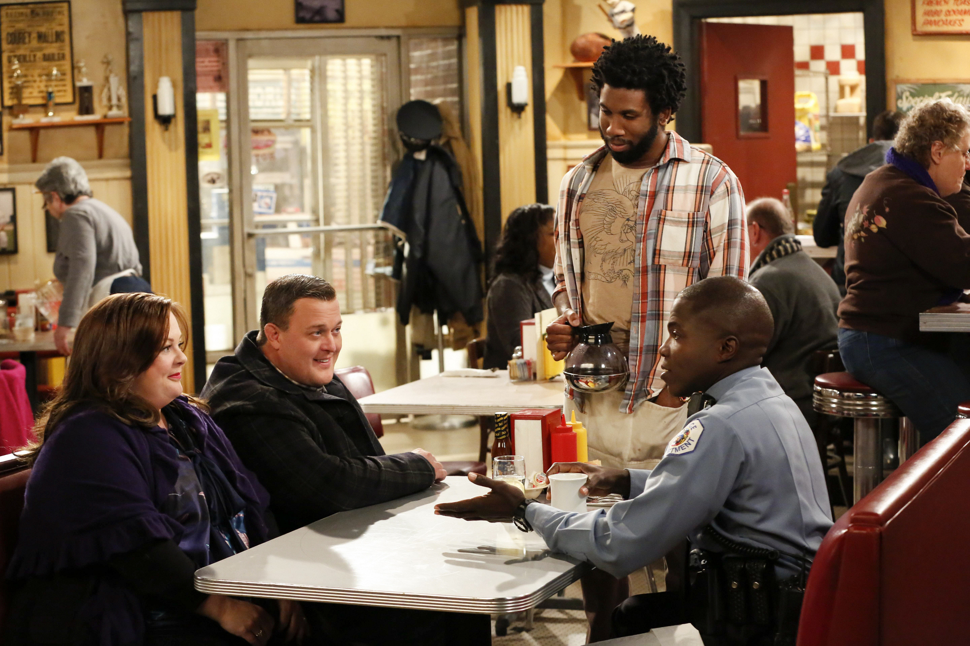"Diner day in ""Mike & Molly's Excellent Adventure"" Episode 8, Season 4"