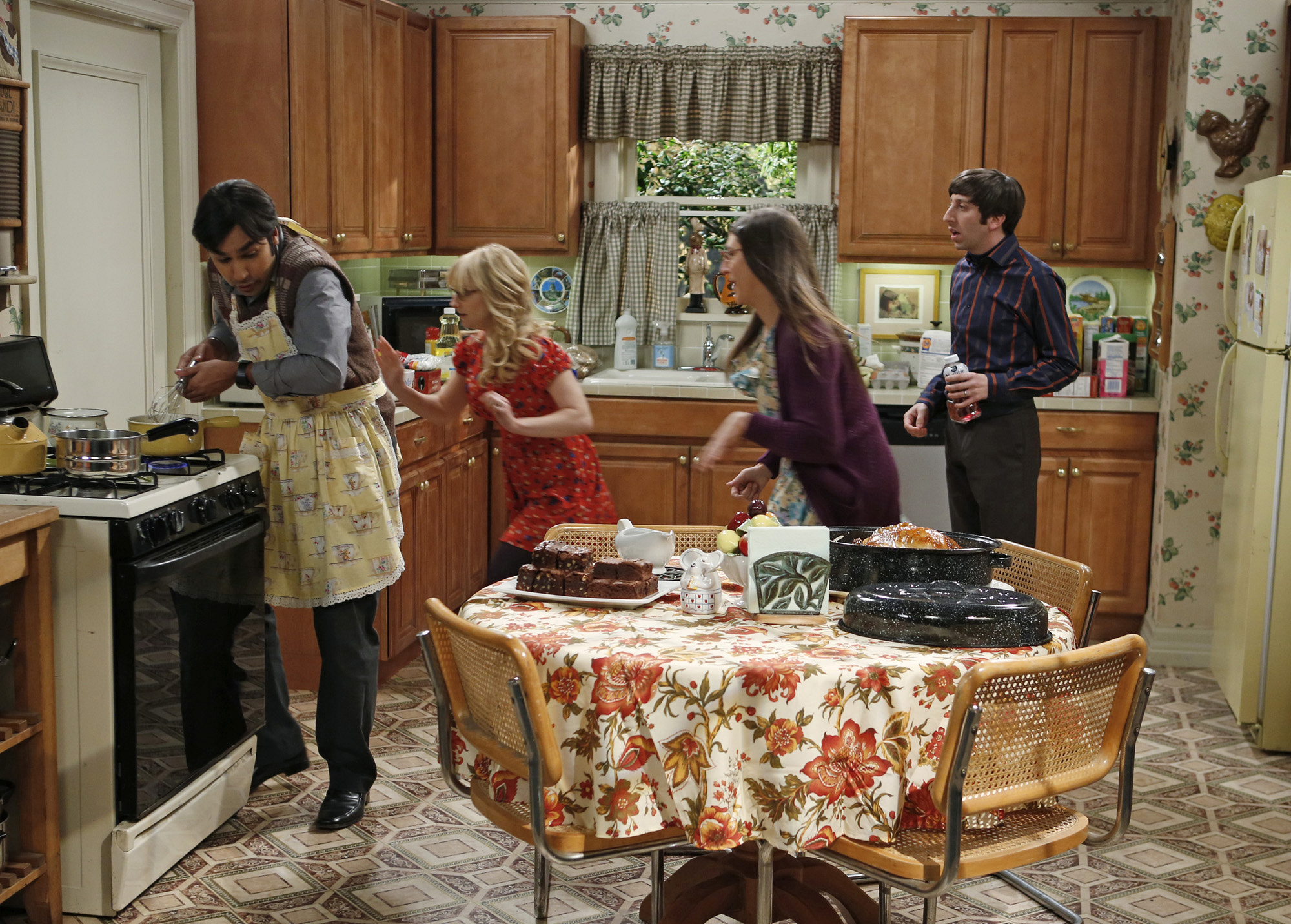 "Kitchen crisis in ""The Thanksgiving Decoupling"" Episode 9 of Season 7"
