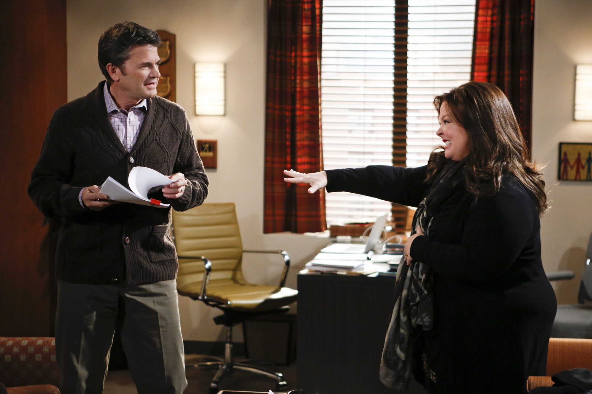 """Therapy session in """"Mind Over Molly"""" S4 E12"""