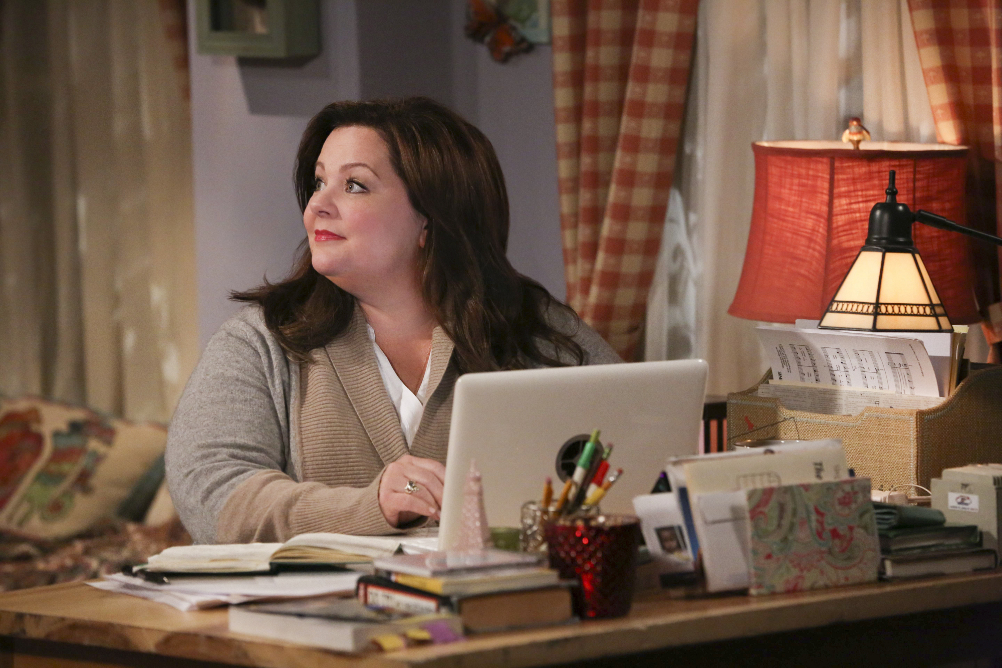 """Hard at work in """"Open Mike Night"""" S4 E13"""