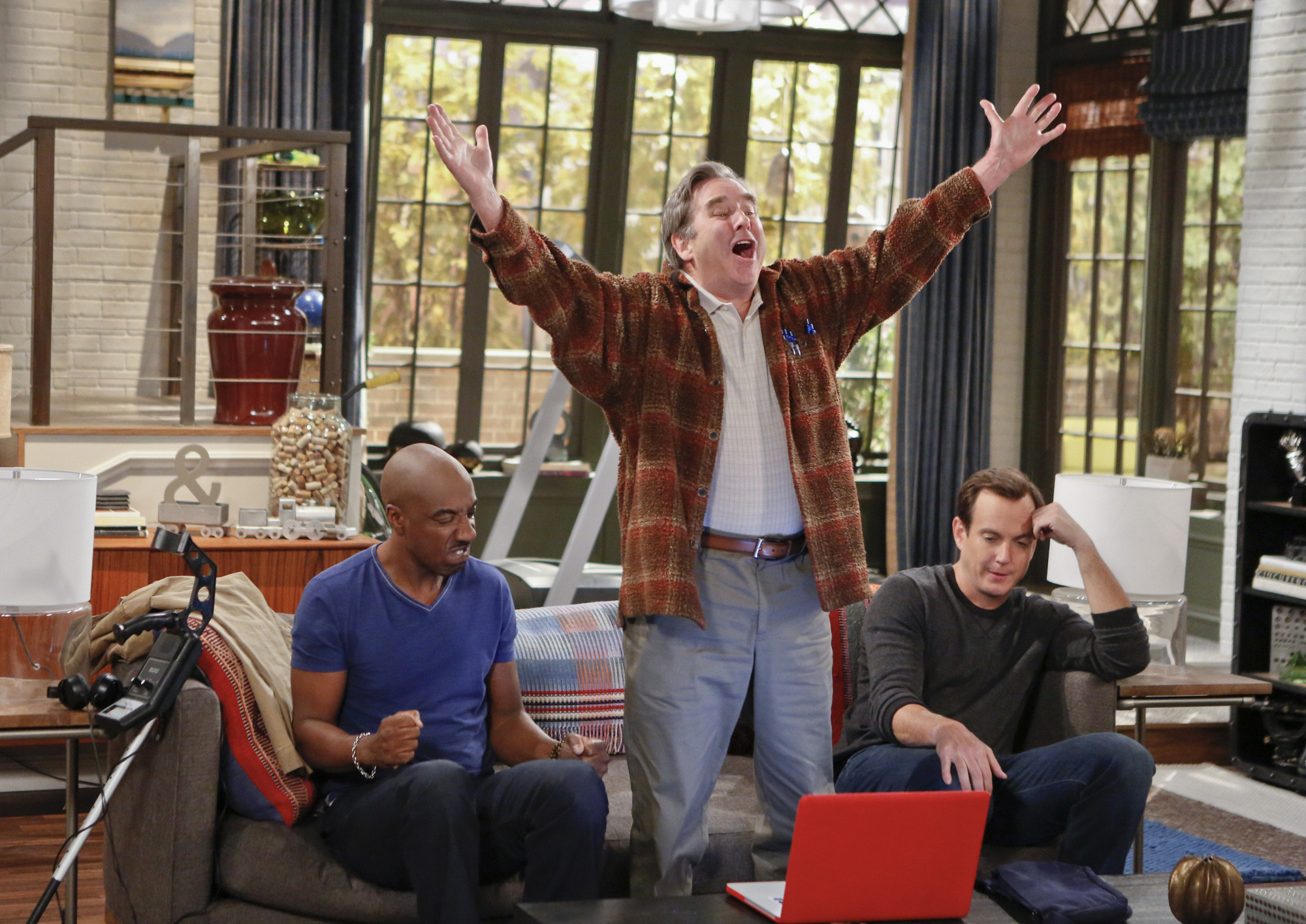 """King of the world in """"You Betcha"""" S1 E15"""