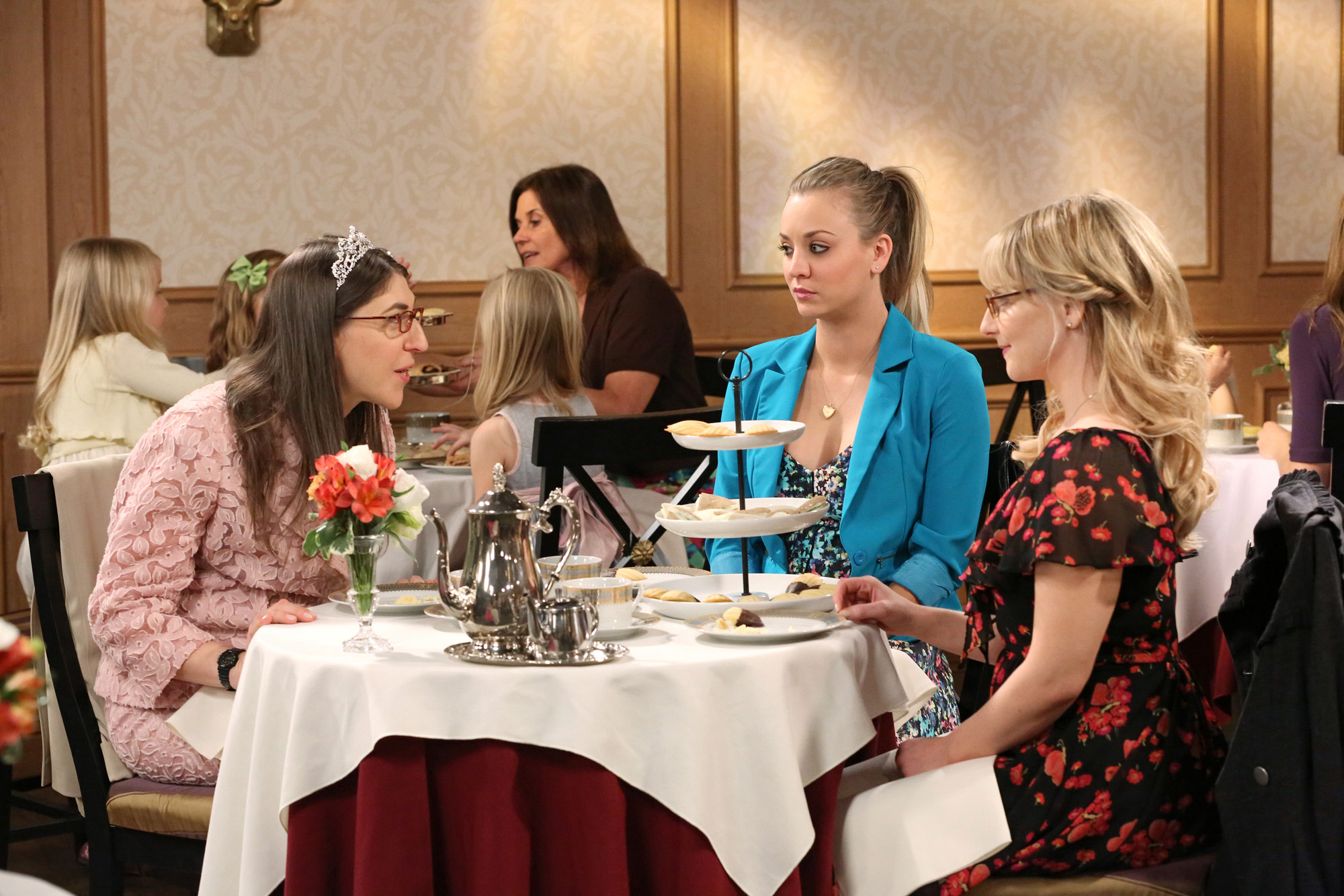 "High Tea in ""The Convention Conundrum"" Episode 14 of Season 7"