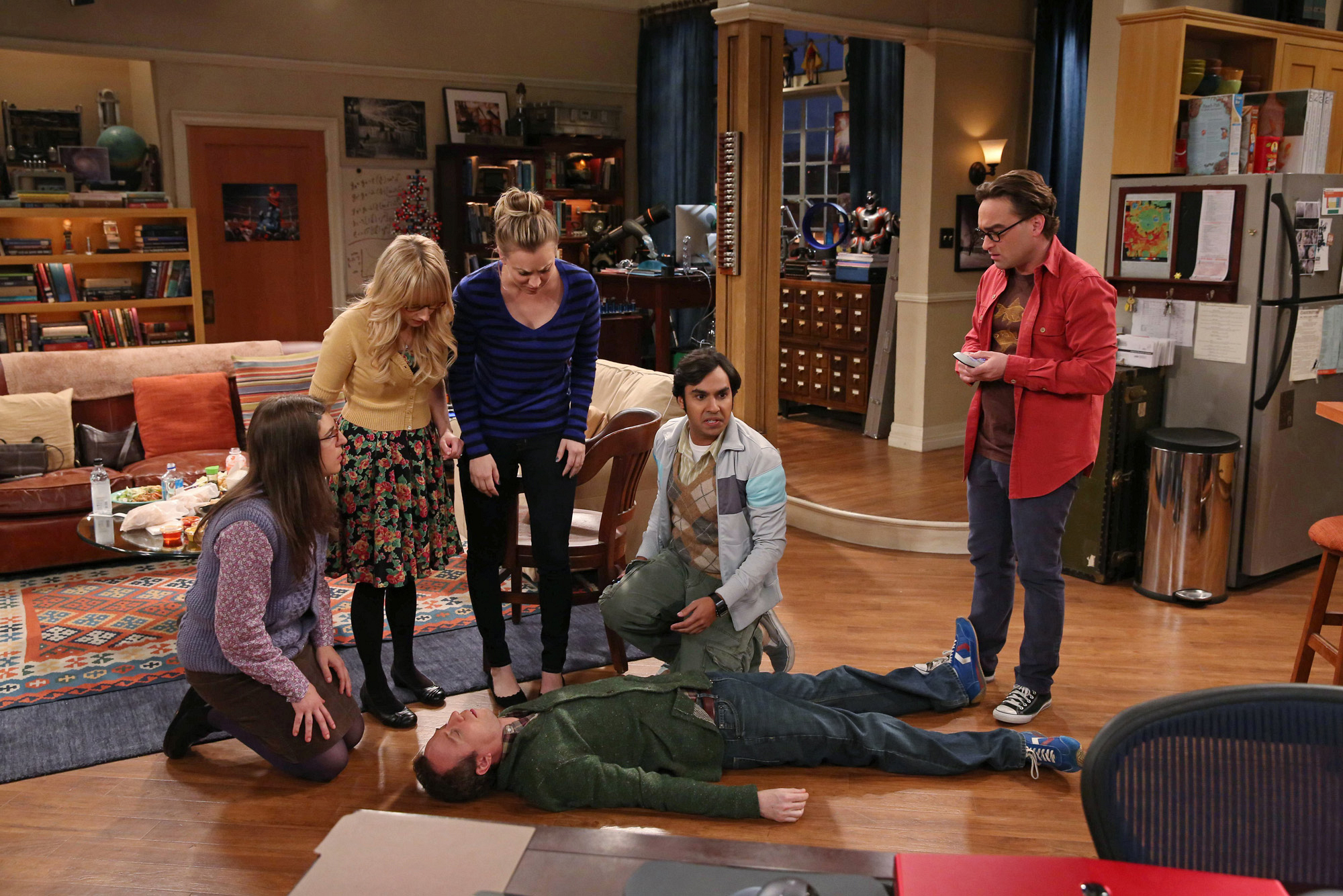 "Playing dead in ""The Mommy Observation"" S7 E18"