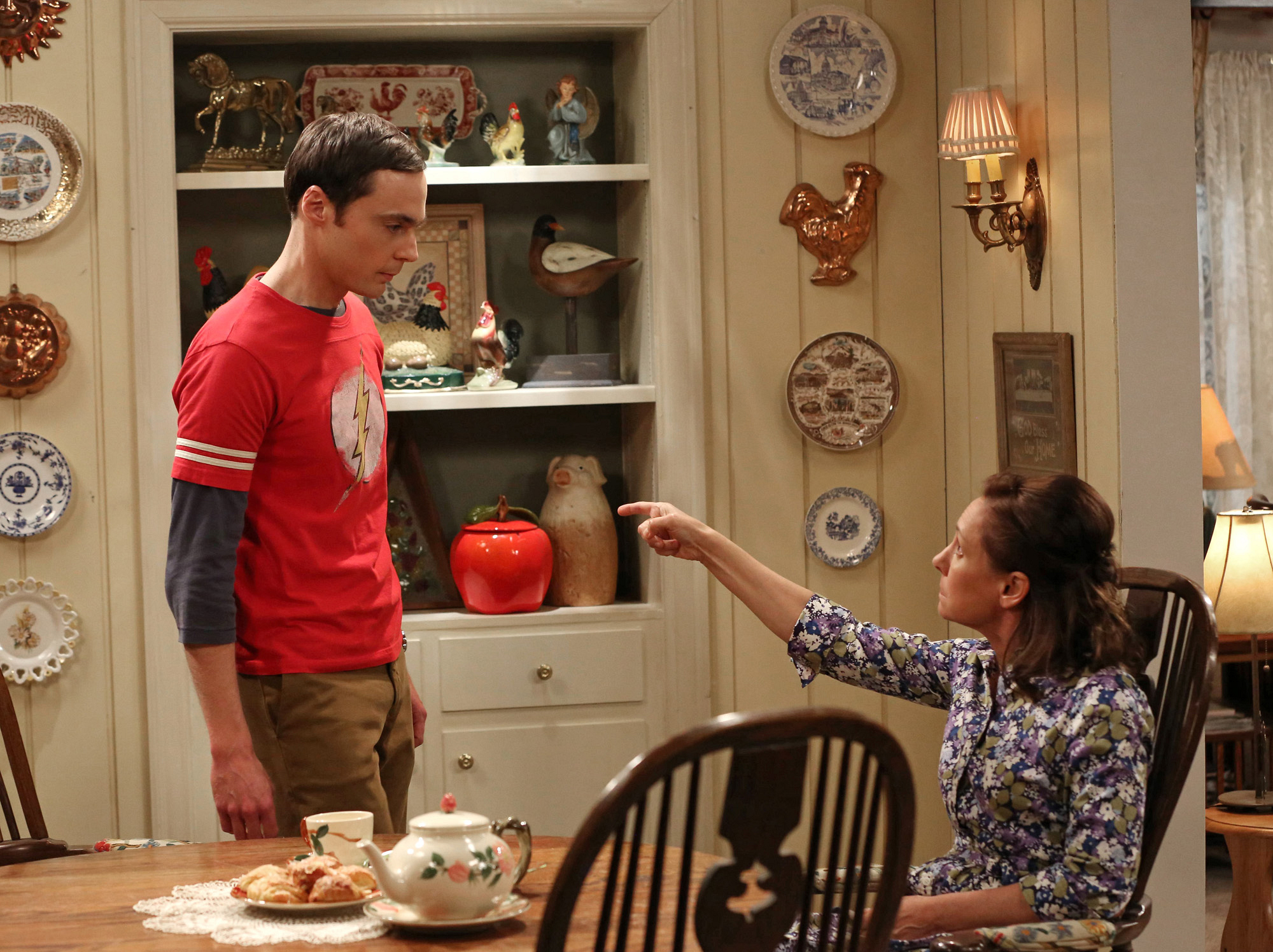 """Mama's boy in """"The Mommy Observation"""" S7 E18"""