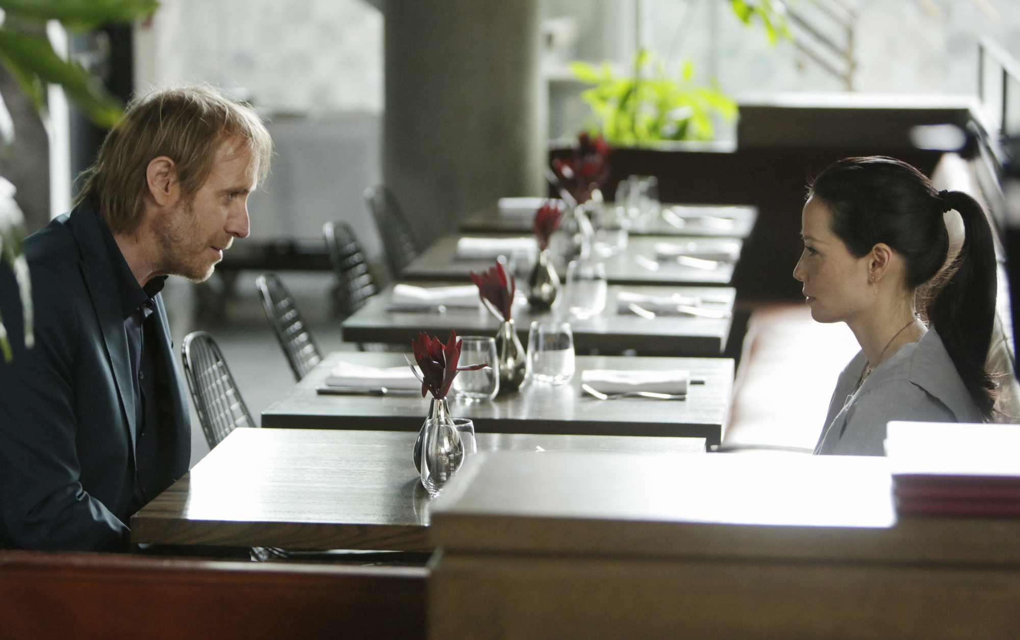 """Mycroft and Joan chat in """"The Man With The Twisted Lip"""" S2E21"""