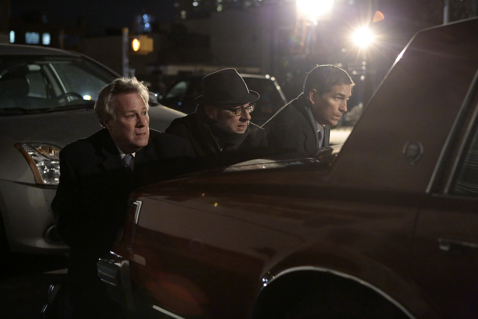 """Reese poses as a Secret Service agent in """"Death Benefit"""" S3E20"""