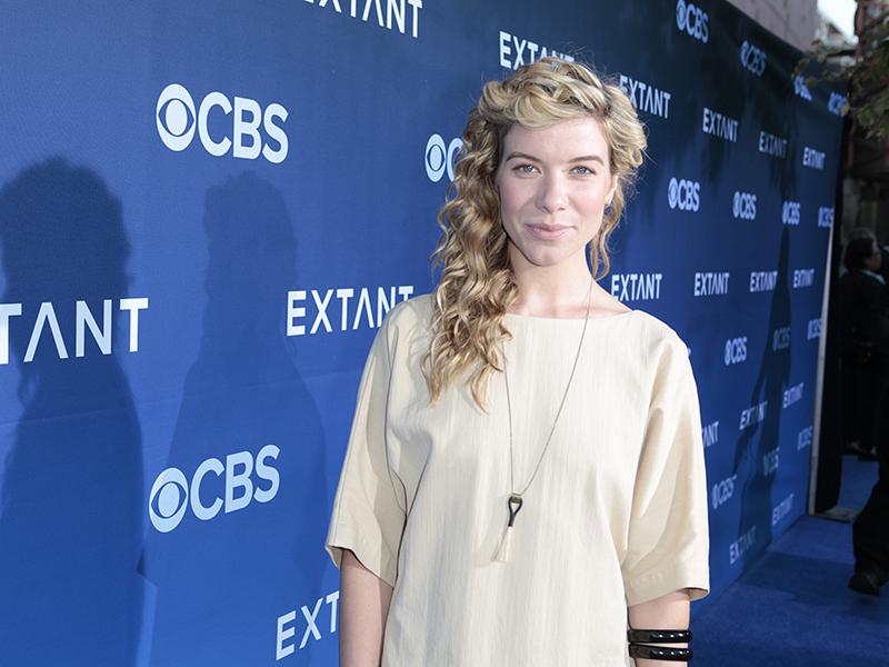 Tessa Ferrer - Extant Premiere Red Carpet