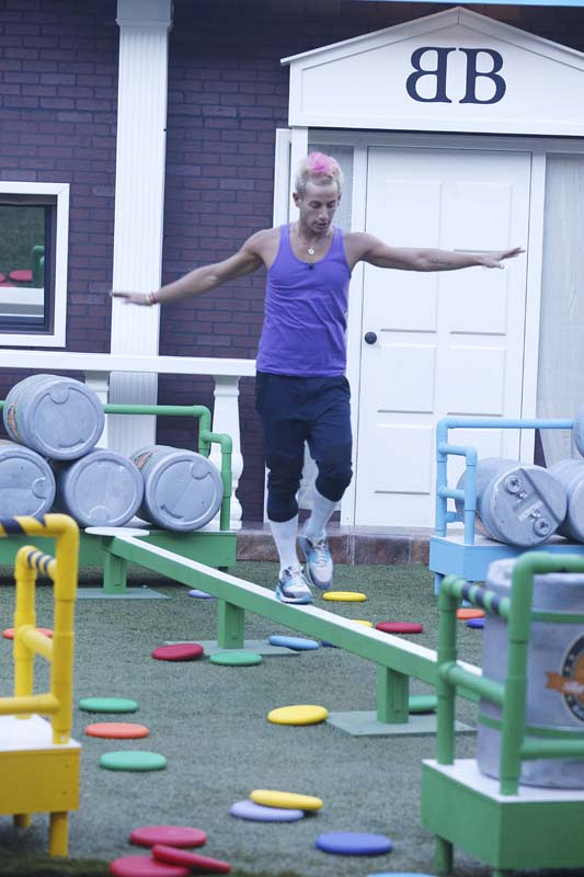 Frankie competes