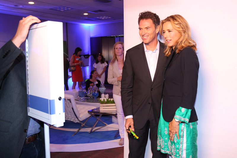1. Téa Leoni and Tim Daly look natural together.