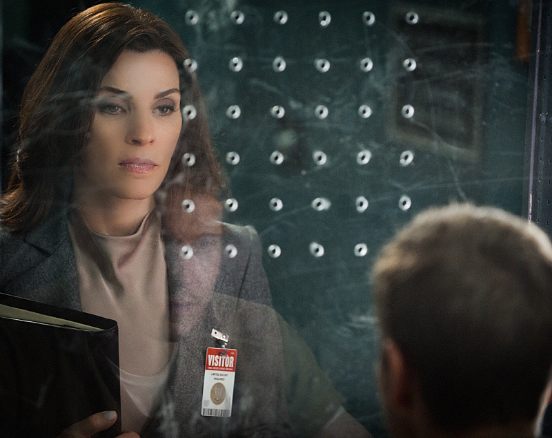 "Alicia Florrick in ""Trust Issues"" - S6E2"