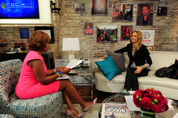 Gayle King and Téa Leoni