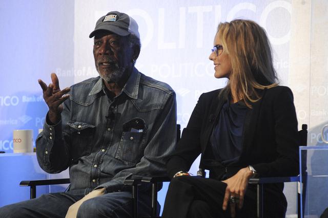 Morgan Freeman and Téa Leoni