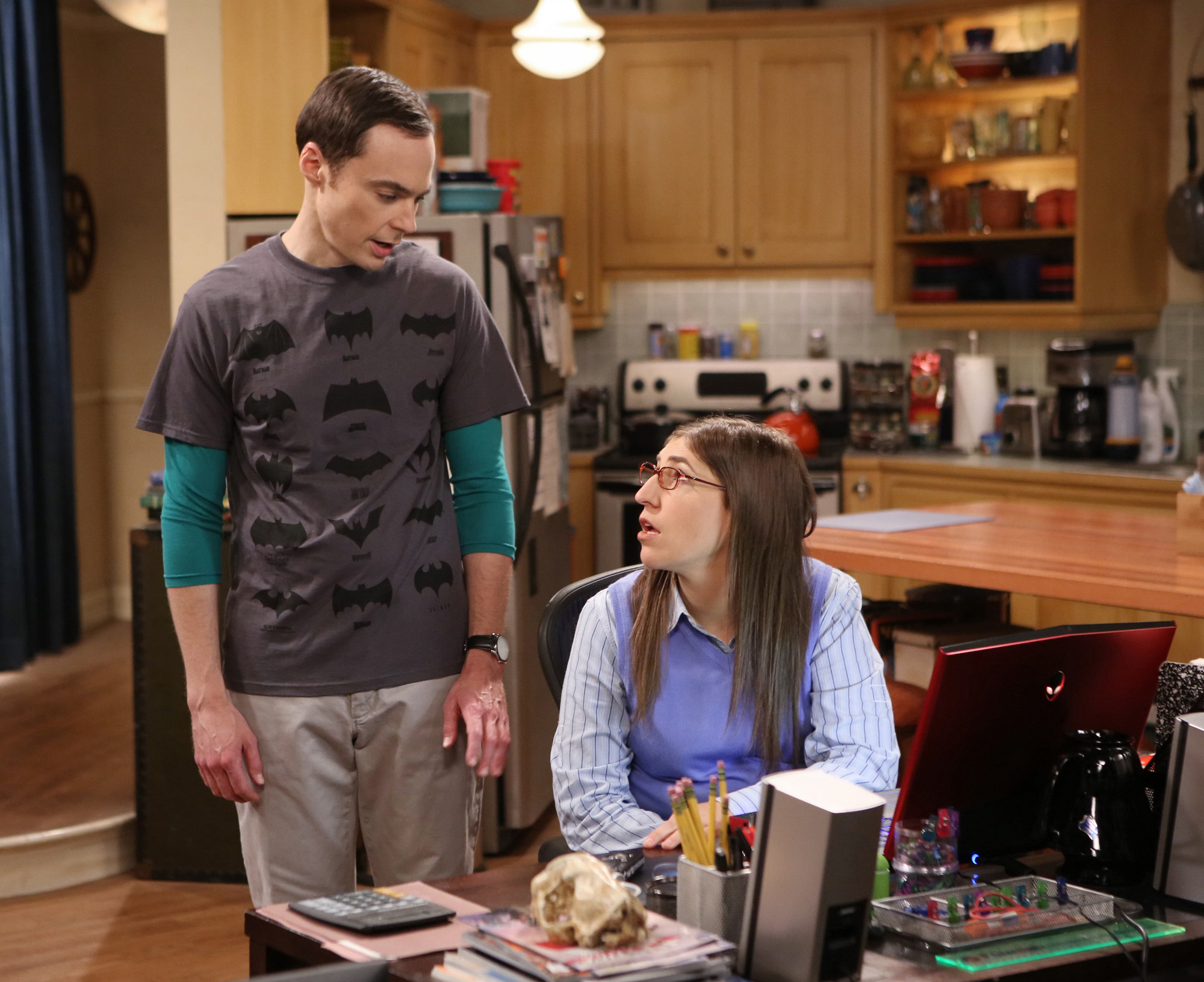Amy helps Sheldon get prepared