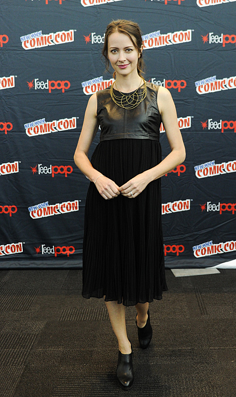 Amy Acker at New York Comic Con