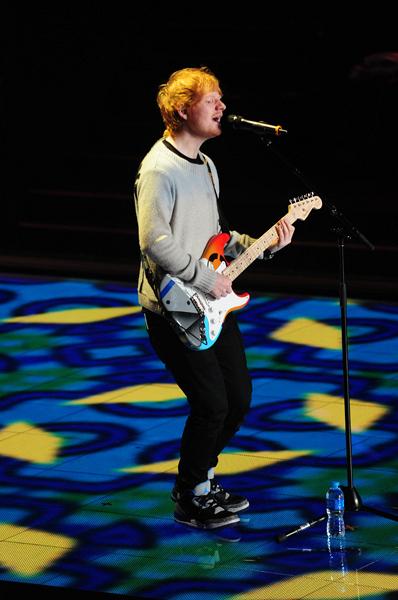 Ed Sheeran rehearses for big performance.