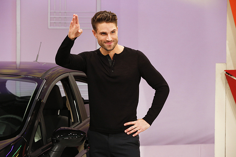 Waving while attractive