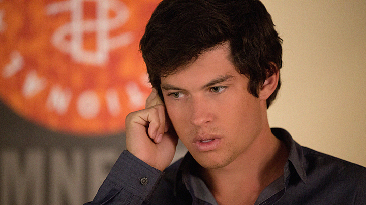 Graham Phillips returns as Zach Florrick