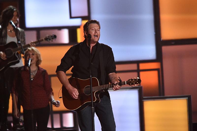 """Blake Shelton performed """"Sangria."""""""