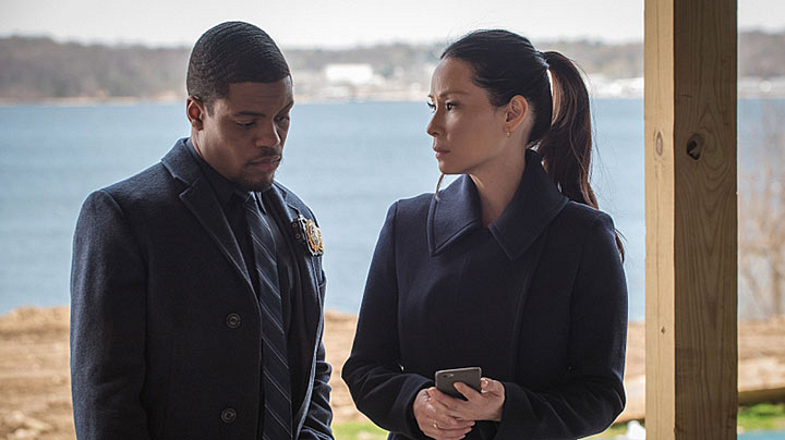 Detective Bell works with Watson to find Alfredo.