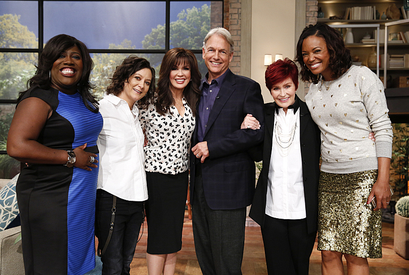 """NCIS"" star, Mark Harmon visits the ladies!"