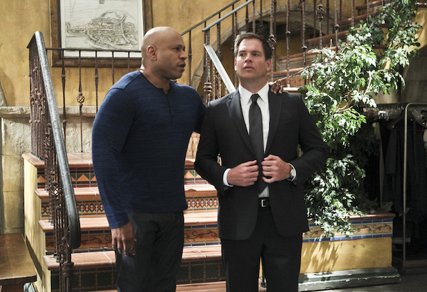 Sam and DiNozzo discuss different approaches