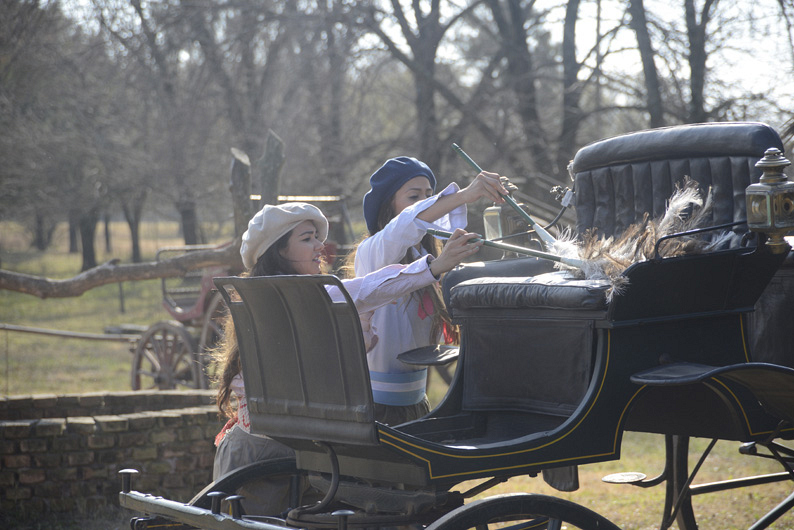 #TheCheerleaders detail a carriage in Detour B.
