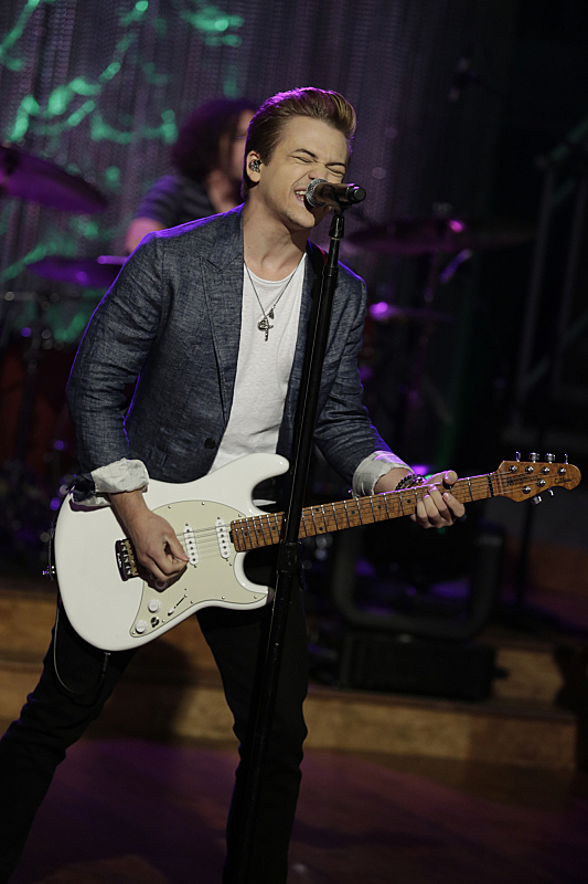 "Hunter Hayes performed ""21"""