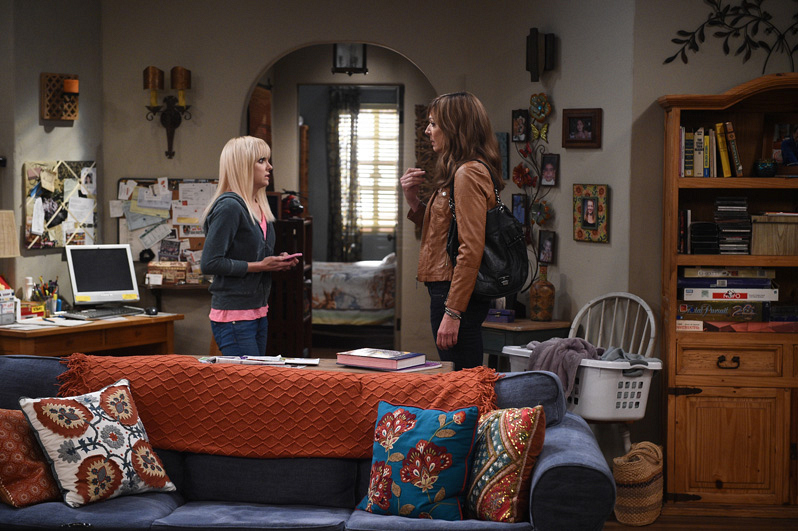 Christy turns to her mother after Violet calls her for some motherly advice.