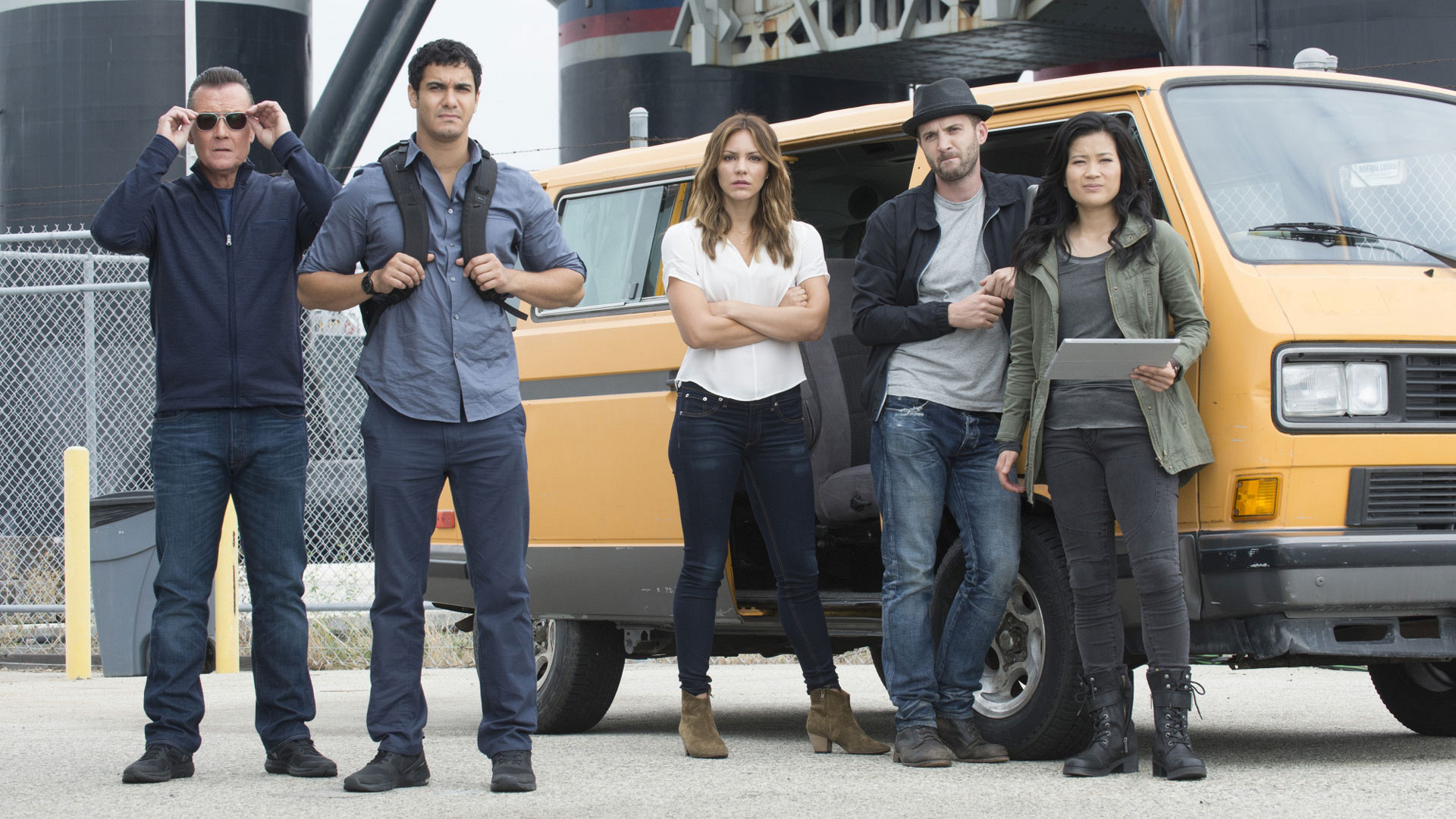 Robert Patrick as Cabe Gallo, Elyes Gabel as Walter O'Brien, Katharine McPhee as Paige Dineen, Eddie Kaye Thomas as Toby Curtis, and Jadyn Wong as Happy Quinn