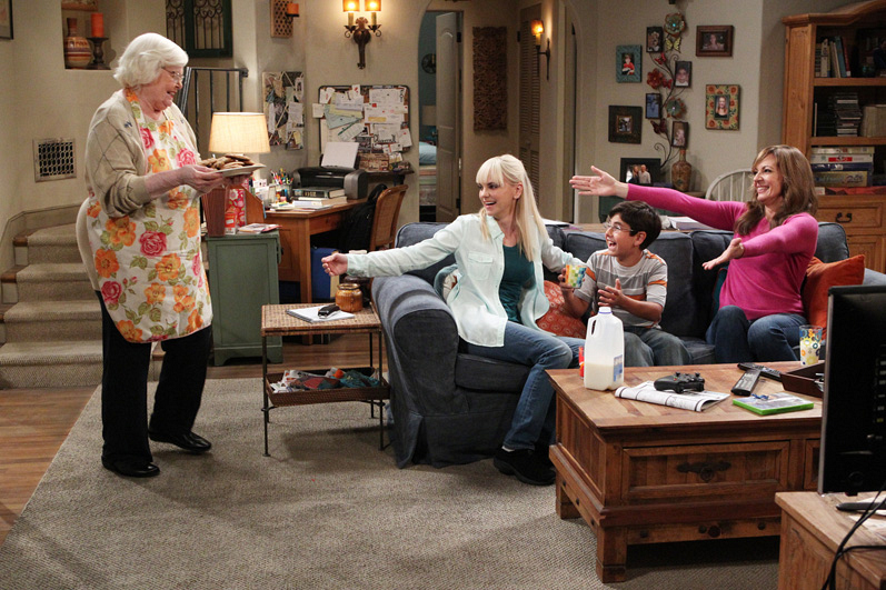 June Squibb is the maternal role model Bonnie and Christy always dreamt of.