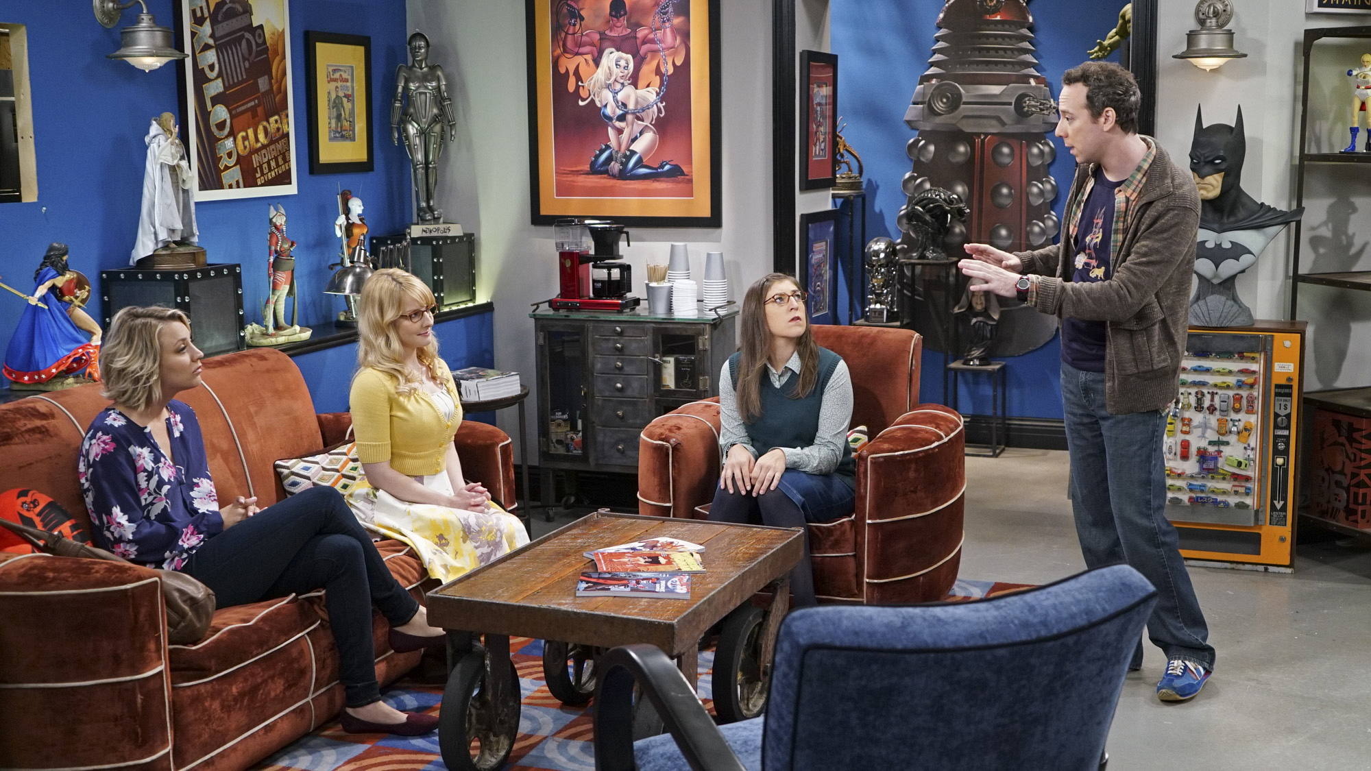 Penny, Bernadette, and Amy offer some pearls of wisdom to Stuart