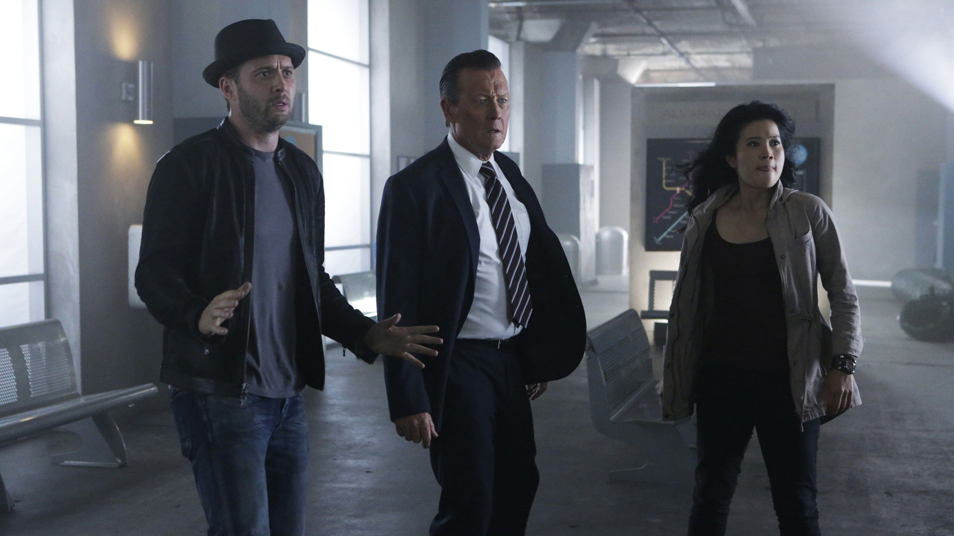 Eddie Kaye Thomas as Toby Curtis, Robert Patrick as Agent Cabe Gallo, and Jadyn Wong as Happy Quinn