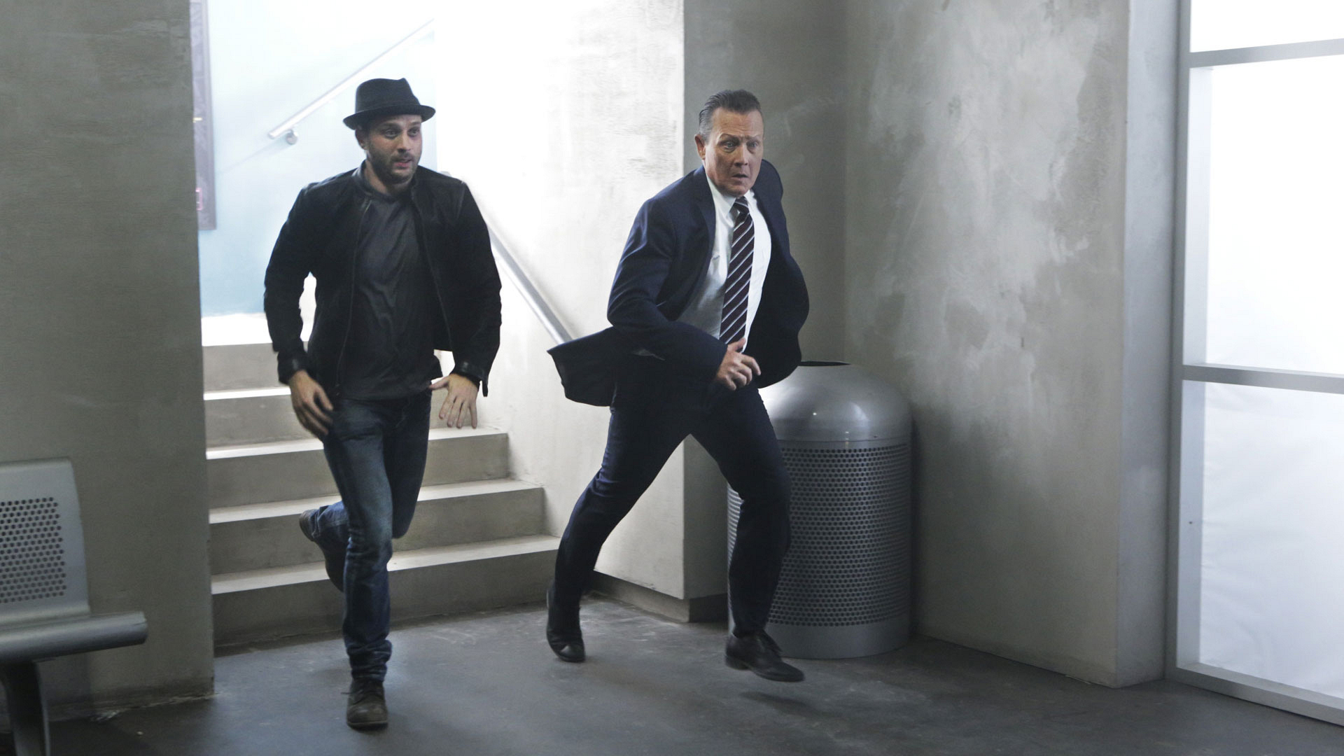 Eddie Kaye Thomas as Toby Curtis and Robert Patrick as Agent Cabe Gallo